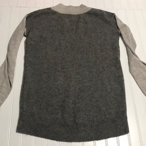 Anthropologie Sweaters - Anthropologie moth pullover sweater grey vneck